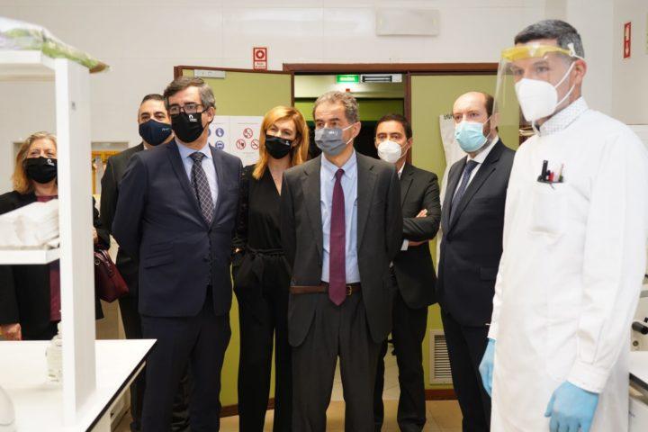 Ministro acompanhou regresso às aulas presenciais e testagem à COVID-19